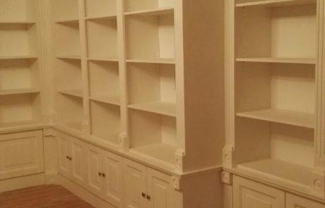 drewniana biblioteka