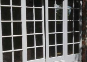 Dwuskrzydłowe drewniane drzwi przesuwne HST