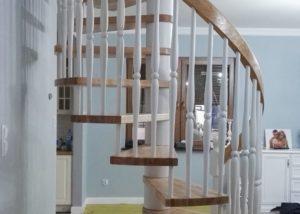 Dębowe schody spiralne